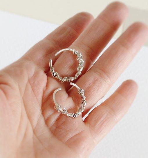 Aros de plata de estilo orgánico- joyas de singularsisters (3)